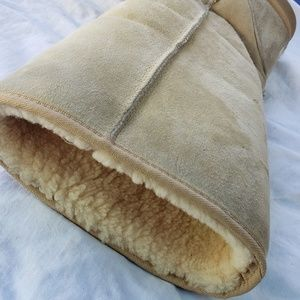 Womans size 12 UGG boots